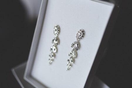 srebrne wiszące kolczyki