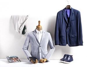 garnitury na wieszakach