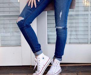spodnie dżins z dziurami